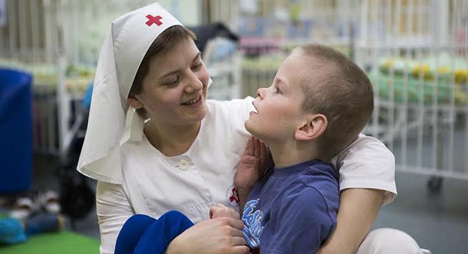 Фото Е.Степановой, ноябрь 2013 года.ДДИ №15В основном дети, имеющие диагноз ДЦП, синдром Дауна, врожденная гидроцефалия, порок сердца. Около 450 детей в возрасте от 4 до 18 лет.